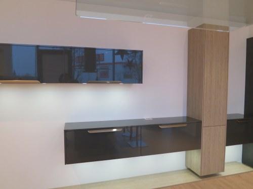 Hochglanz Wohnwand Carbon Metallic & Eiche Seidengrau Einzeilige Küche in Augsburg