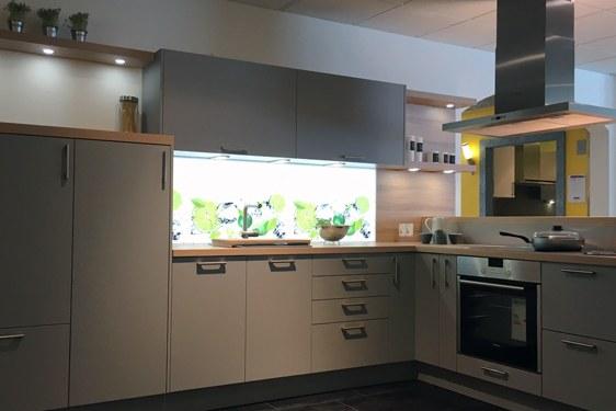 Schichtstoff Perlgrau ultramatt L-Form Küche in Ravensburg