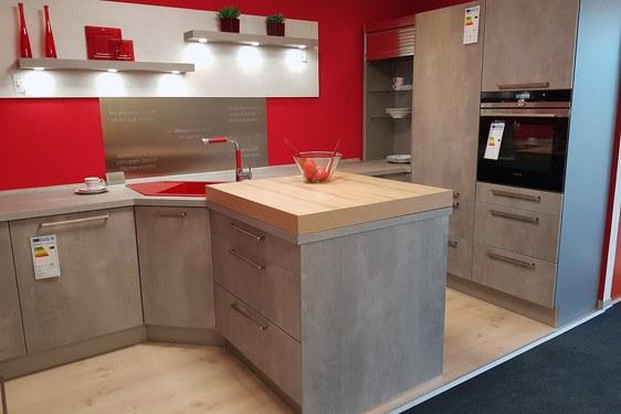 Melaminharz Spachtelbeton Perlgrau & Opalgrau T-Form Küche in Niederzier