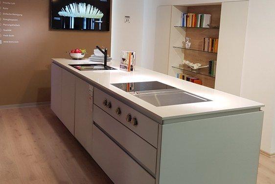 Glas Weiß & Mattlack Anthrazit Zweizeilige Küche in Niederzier