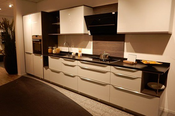 Hochglanz Lichtgrau Einzeilige Küche in München