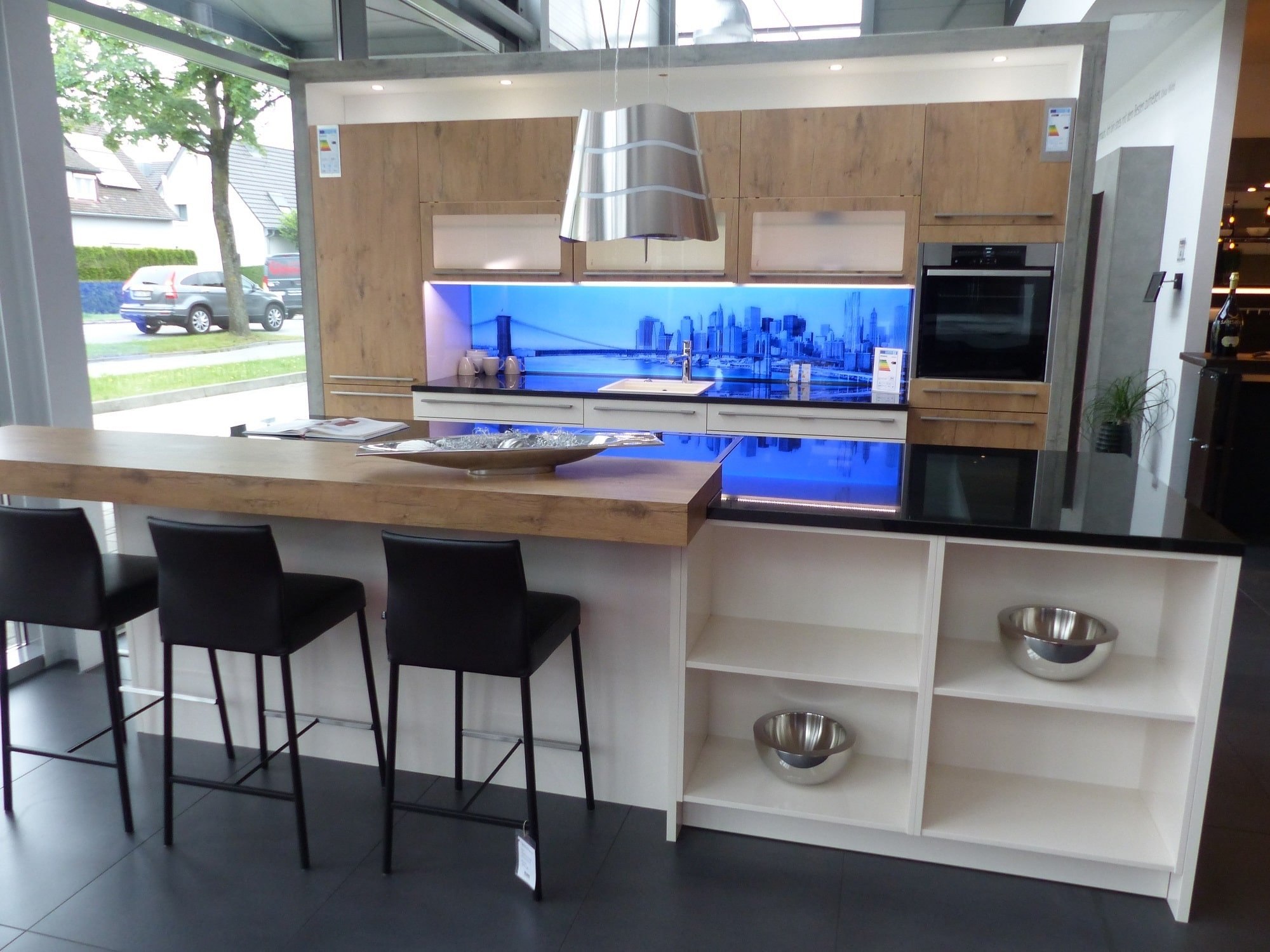 Zweizeilige Küche ohne Küchengeräte in 88214 Ravensburg