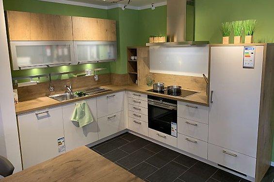 L-Form mit Küchengeräten in 76726 Germersheim
