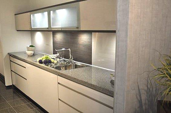 Zweizeilige Küche Satin mit Geräten in Overath